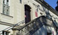 Włoszakowice_-_pałac_schody.jpg